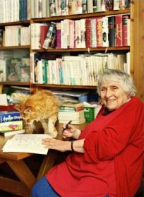 Anne Golon and her cat Boopy