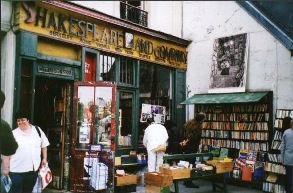 Shalespeare and Company Bookshop in Paris