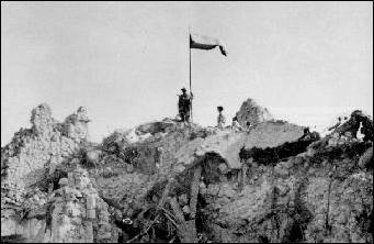 Polish Flag hoisted at Monte Cassino 18.05.1944