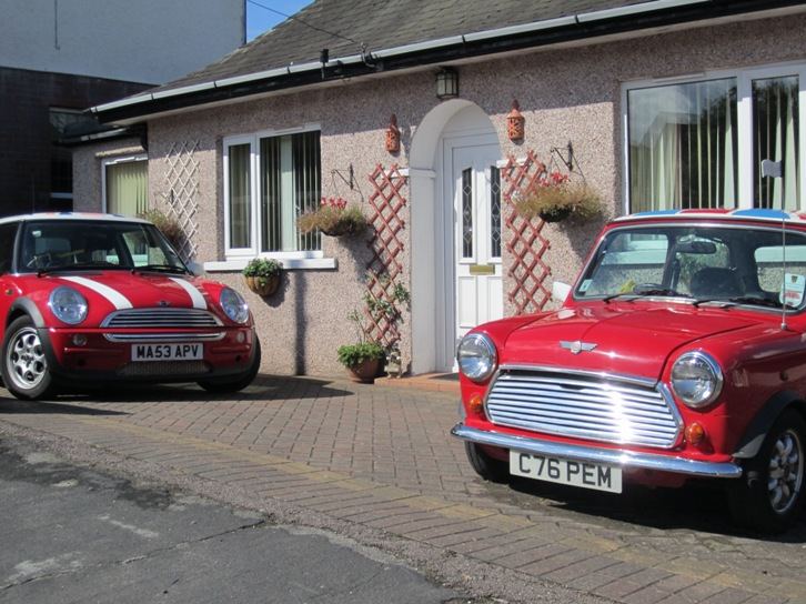 A Classic and BMW Mini in harmony