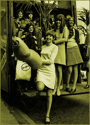 Cilla Black and Cathy McGowan