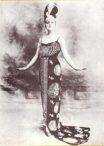 Delysia as Ayesha in 1917