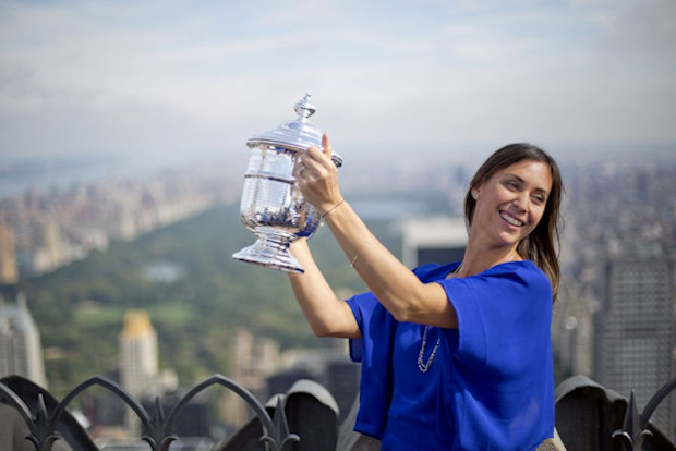 Flavia and US Open Trophy on Empire State