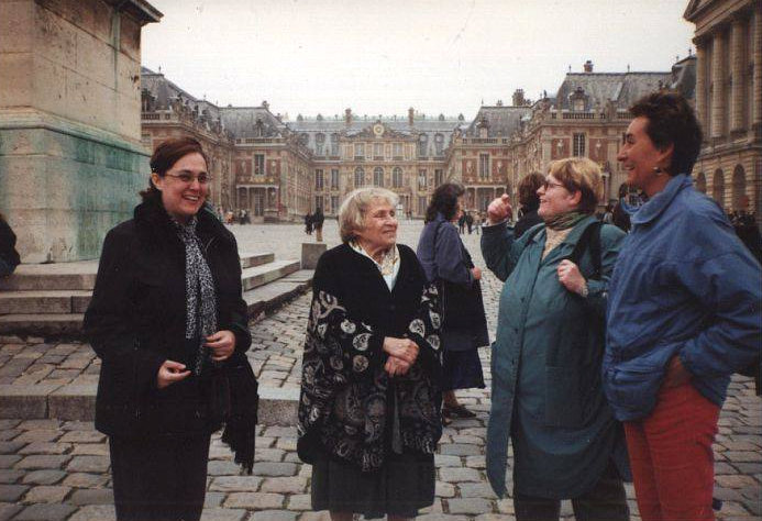 Anne Golon in the courtyard of Versailles