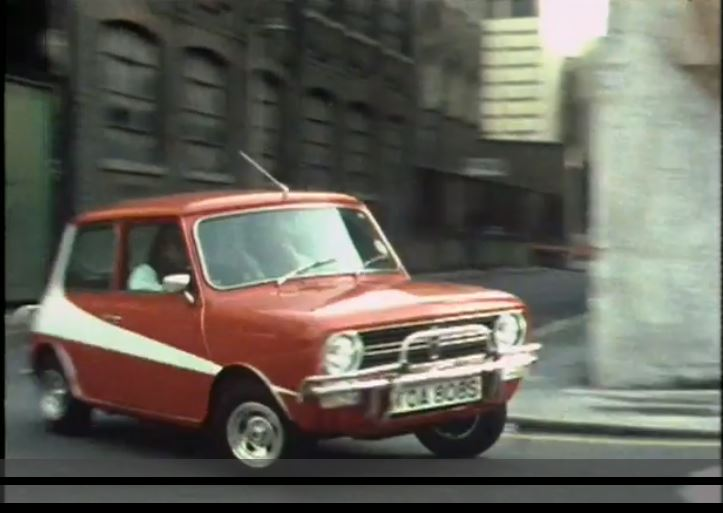 Mini in Starsky and Hutch Livery