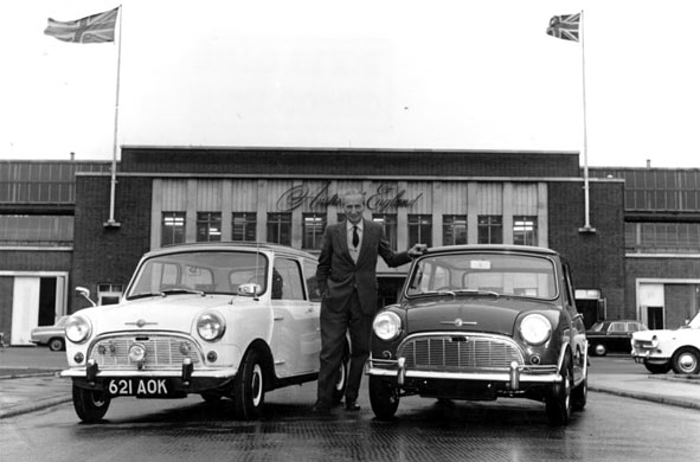 Issigonis with 30 year apart Minis