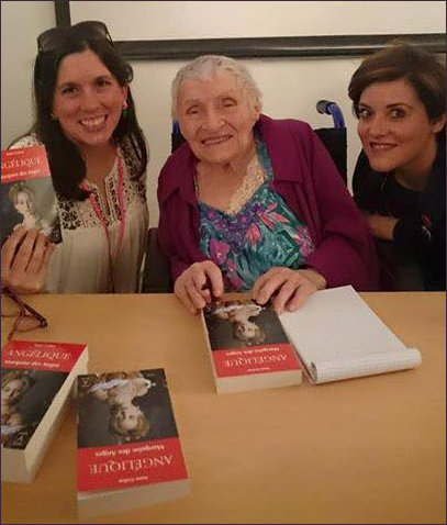 Anne Golon and Fans