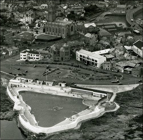 General aeriel view of the Yacht Inn and surroundings