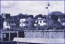 1949 detail of the Yacht Inn from postcard of the Jubilee Pool