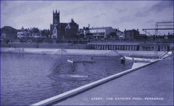 1930s postcard of Jubilee Pool and Gardens