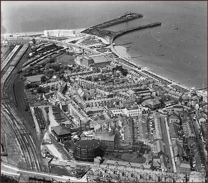 Expanded aeriel view of the Midland Hotel circa 1933