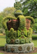 Crown Topiary