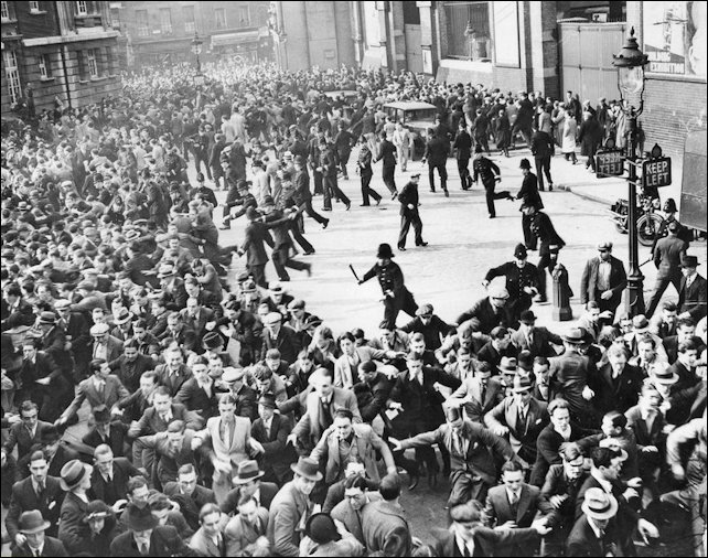 Rioting in Cable Street 1936
