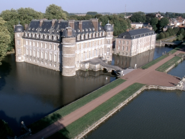 Panoramic view of the Chateau and Moat