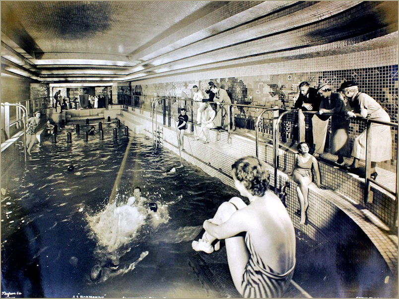 The Normandie Swimming Pool