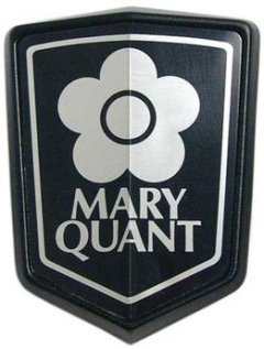 Quant Bonnet Badge