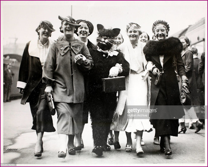 The 1936 annual outing of the Black Cat girls to Portsmouth